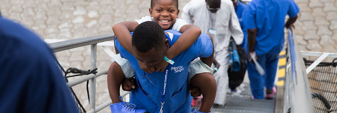 Mercy Ships – New mission in Benin – Hospital opening